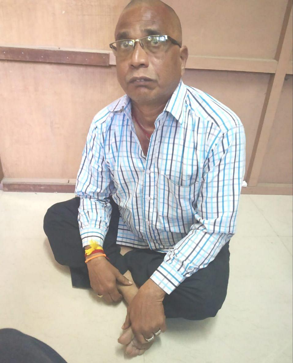 இடைத்தரகர் ராஜசேகர்