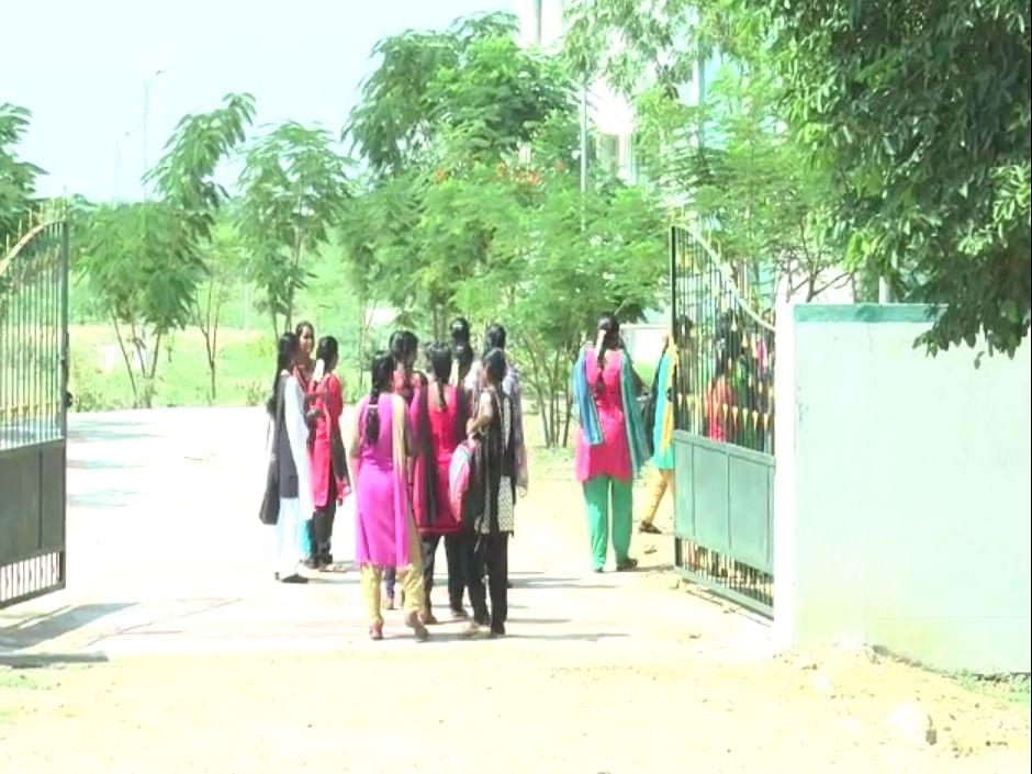 Tamil News Today: கல்லூரி முதலாம் ஆண்டு மாணவர்களுக்கு நேரடி வகுப்புகள் தொடங்கின!