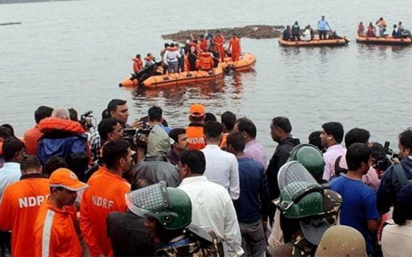 `11 பேர் உயிரை இழந்தனர்'- ஆந்திராவை சோகத்தில் மூழ்கடித்த படகு விபத்து!