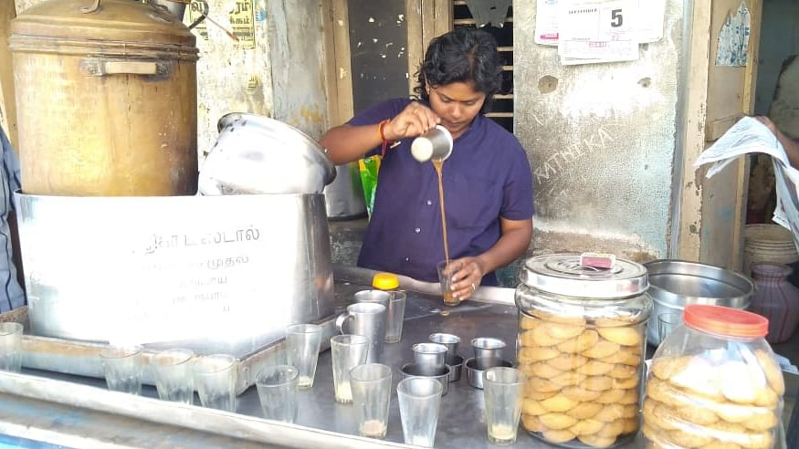 டீக்கடை ராதிகா