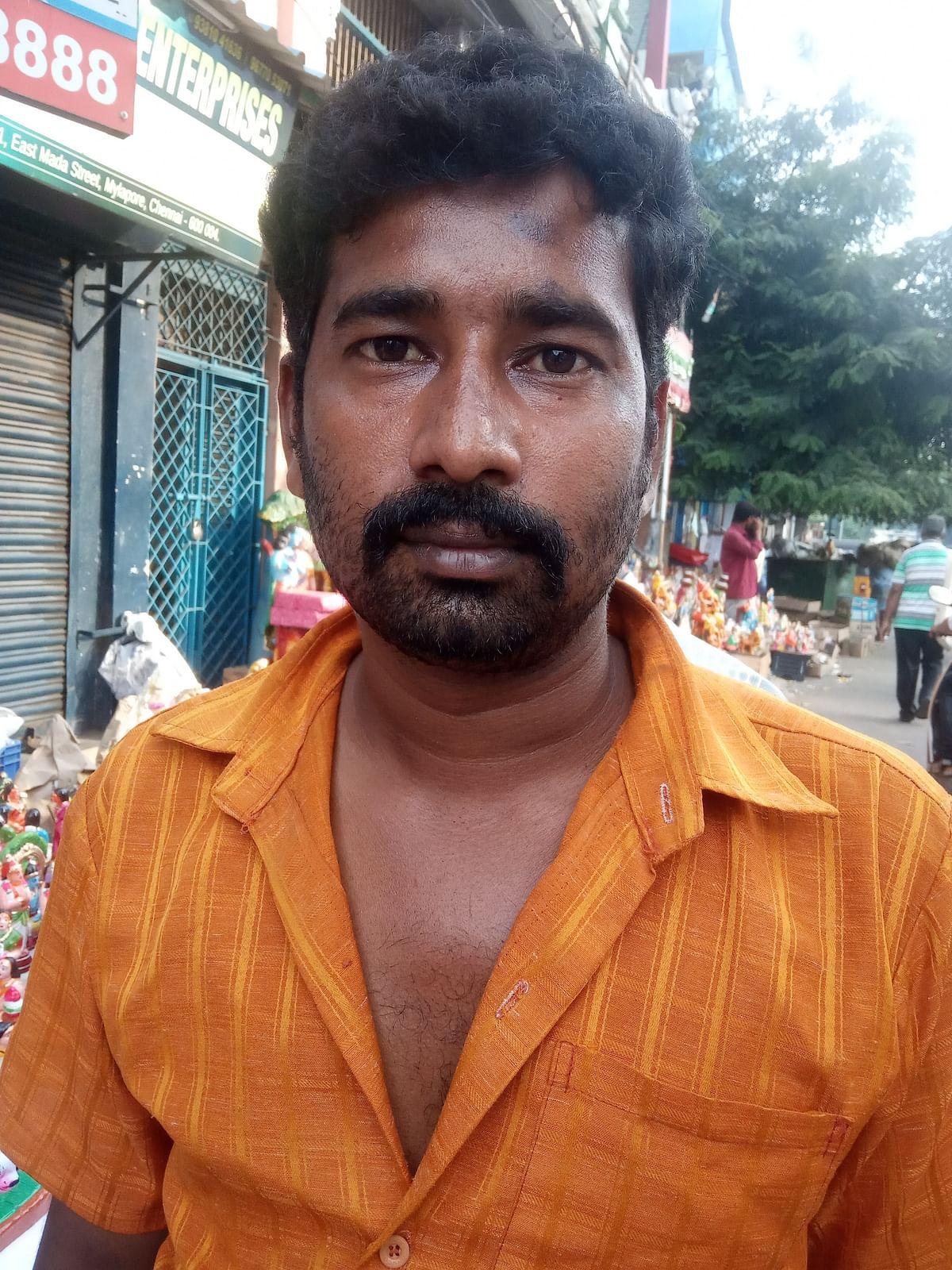 Madhan - Golu Dolls Salesman