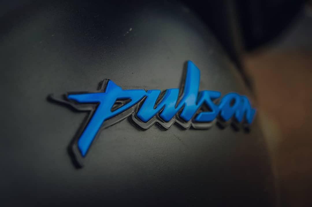 Pulsar Neon Logo