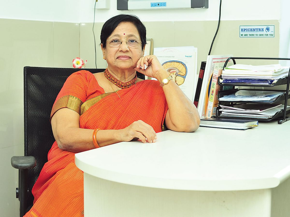 டாக்டர் பிரீத்திகா சாரி