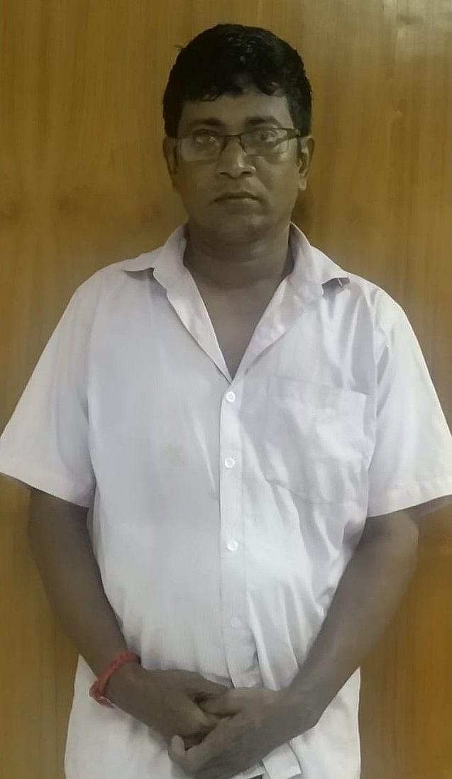 கைதான அரசு ஊழியர் வேலாயுதம்