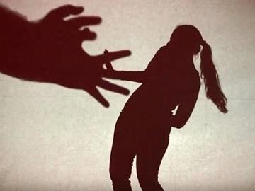 `எந்தக் கடவுள் இந்த சாமியாரின் காணிக்கையை ஏற்றுக்கொள்வார்?' - சிறார் வதை வழக்கில் கேரள நீதிமன்றம்