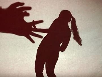 தேனி : திடீர் வயிற்றுவலி... குழந்தை பெற்றெடுத்த சிறுமி உயிரிழப்பு! - போக்சோ சட்டத்தில் ஒருவர் கைது
