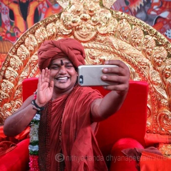 டெக்னாலஜியில் அப்டேட்டாக நித்தி!