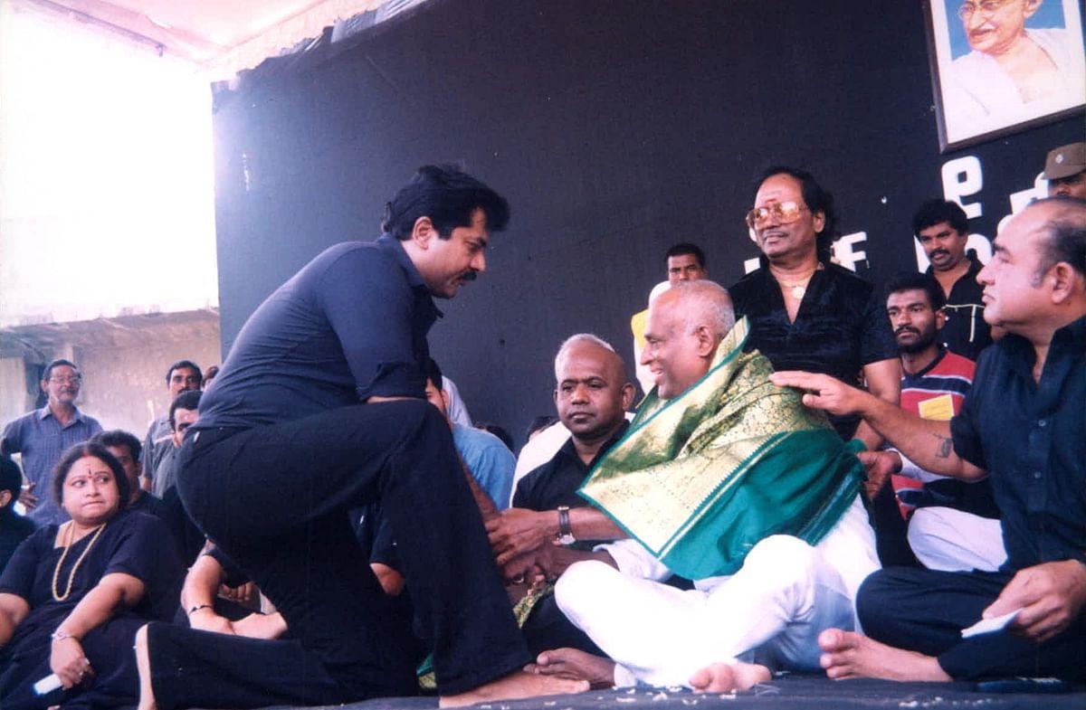 ரஜினி உண்ணாவிரதத்தில் சரத்குமார்...