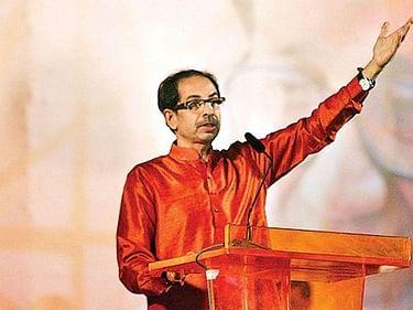 கொரோனா:`மகாபாரதப் போரைவிட கடினமாக உள்ளது!' - மோடியை சீண்டும் சிவசேனா