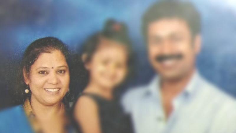 ராகவி, குழந்தையுடன் சசிக்குமார்
