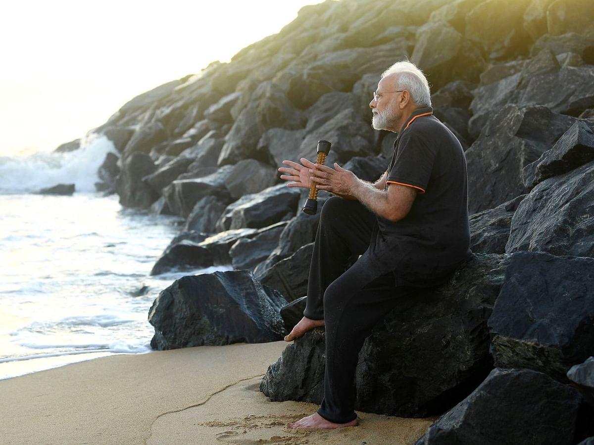 'நான் கையில் வைத்திருந்த கருவி இதுதான்' - ட்விட்டரில் விளக்கிய மோடி