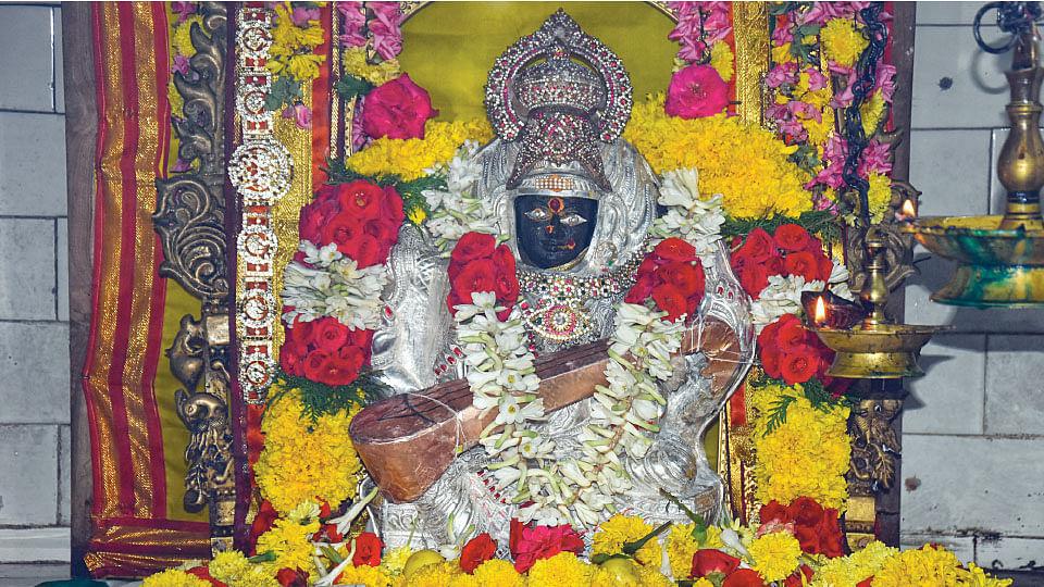 முத்துமாரியம்மன்