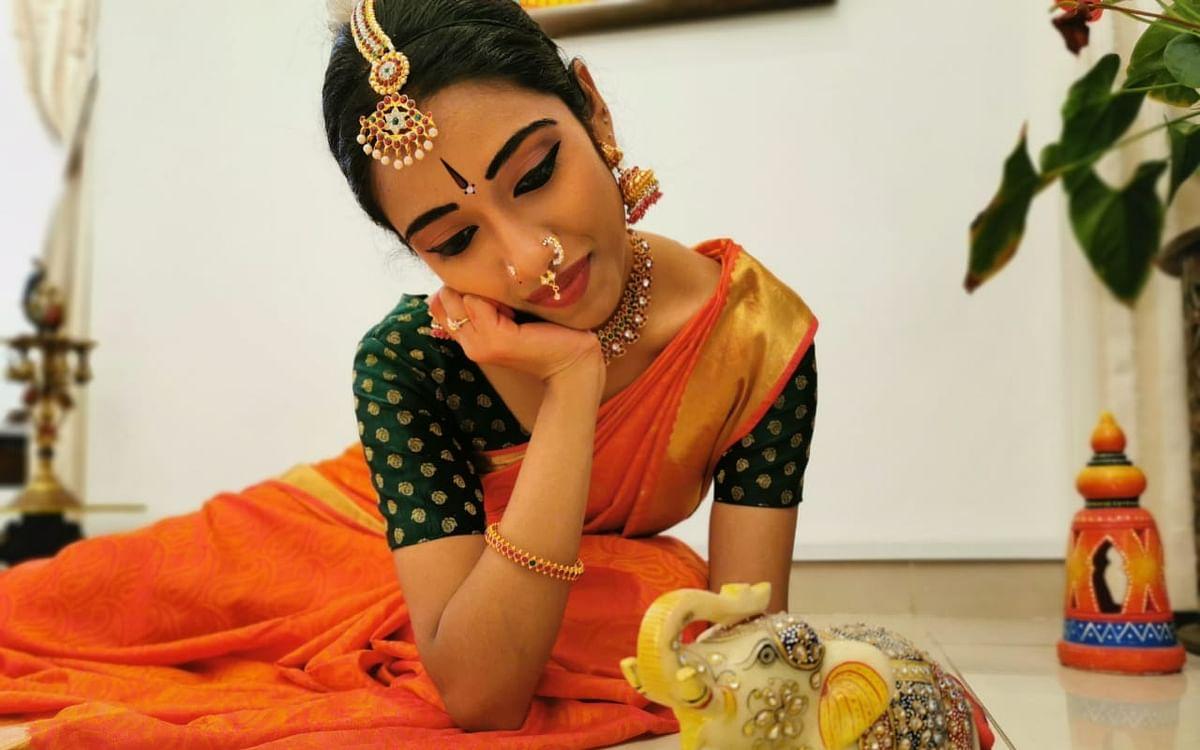 """``நடிகர் விஜய் அம்மா மெசேஜ் அனுப்பினாங்க!"""" - சாதனாவின் நவராத்திரி டான்ஸ்"""