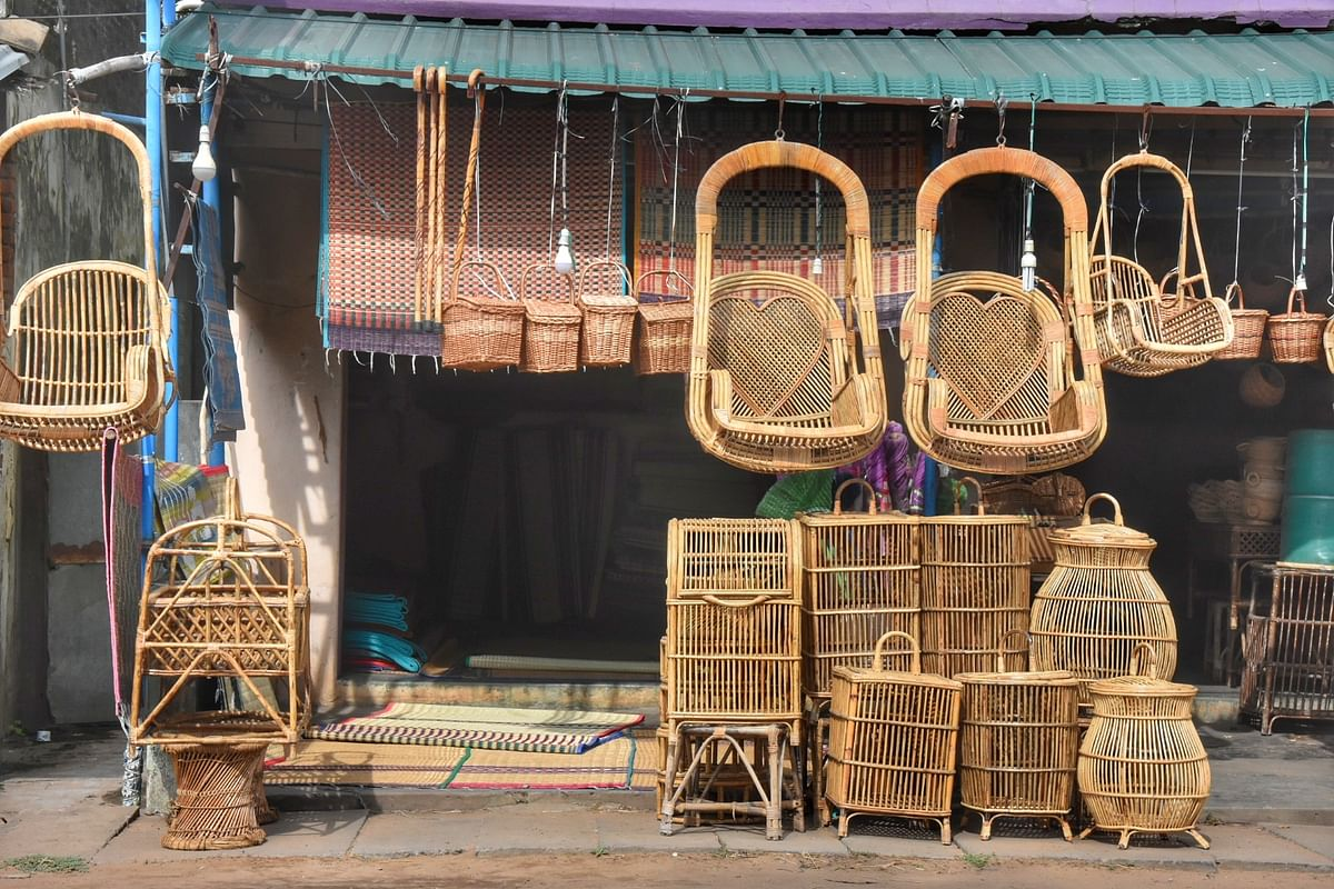 மூங்கில் பிரம்புகளால் செய்யப்பட்ட கைவினைப் பொருட்கள்