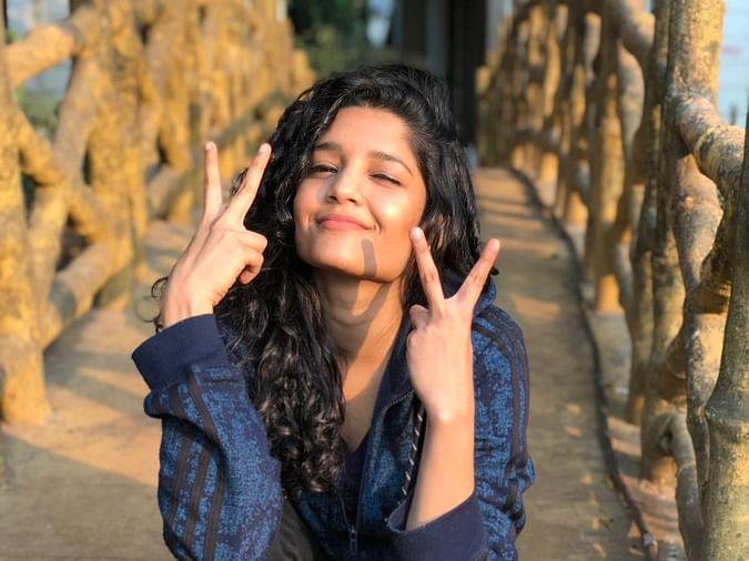 ``அந்த 20 நிமிடம், `நோ' மேக்கப், நைட் ஷூட் கடுப்பு..!'' - ரித்திகா சிங்