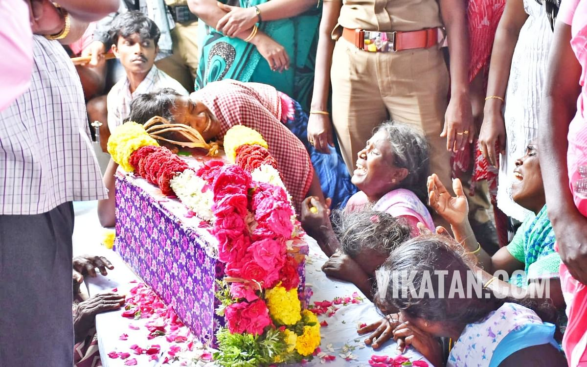 ` சுர்ஜித் சடலமாக மீட்கப்பட்ட செய்தி வேதனையை அளித்தது!'- முதல்வர் பழனிசாமி உருக்கம்