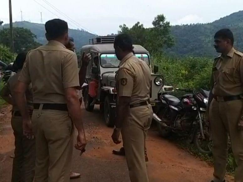 50 போலீஸார்.. துப்பாக்கிச்சண்டை... கேரளாவில் மாவோயிஸ்ட்டுகள் 3 பேர் சுட்டுக்கொலை!