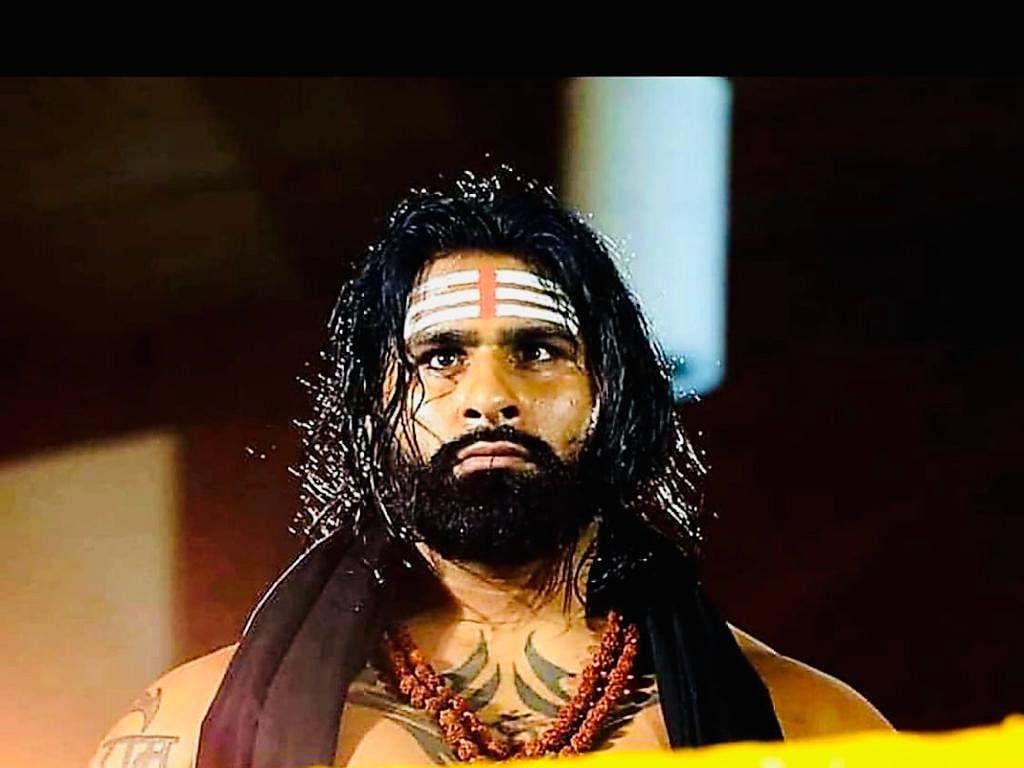 `முதல் வெற்றியைப் பெற்றதும் அழுதுவிட்டேன்!' - லாரி ஓட்டுநர் மகன் ரிங்கு சிங் WWE -ல் கால்பதித்த கதை