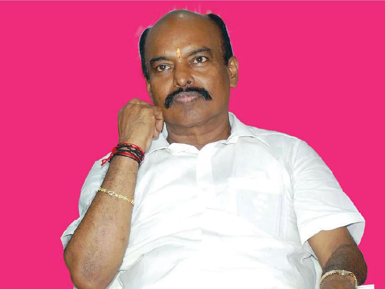 அ.தி.மு.க எம்.பி விஜயகுமார்
