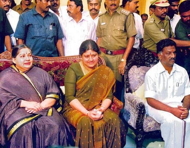 ஜெயலலிதா, சசிகலா, ஓ.பி.எஸ்
