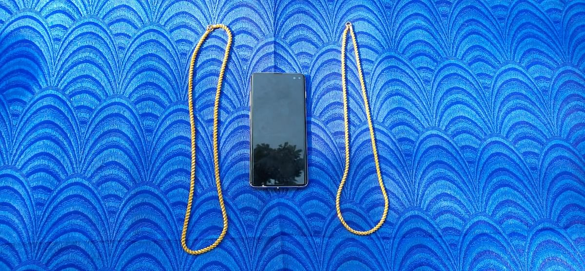 chains and cellphone