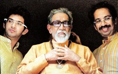தி.மு.க வழியில் சிவசேனா... தேர்தல் களத்தில் சவாலைச் சந்திப்பாரா, ஆதித்யா தாக்கரே?