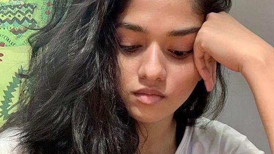 நடிகை சுனைனா