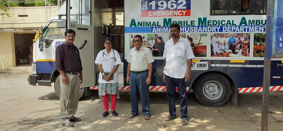 Cattle Ambulance With Animal Husbandry Officals