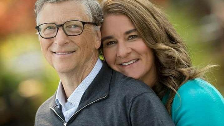 ஒன்றாக நேரம் செலவிடும் வாய்ப்பு!' - தினமும் பாத்திரம் துலக்குவதில் மனைவிக்கு உதவும் பில்கேட்ஸ்| World's richest man Bill Gates still washes dishes with wife