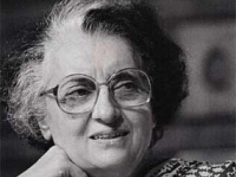 `6 ஆண்டுகள்; ரூ.4.35 கோடி!' - இந்திராகாந்தி பிறந்தவீட்டுக்கு வரிபாக்கி நோட்டீஸ்