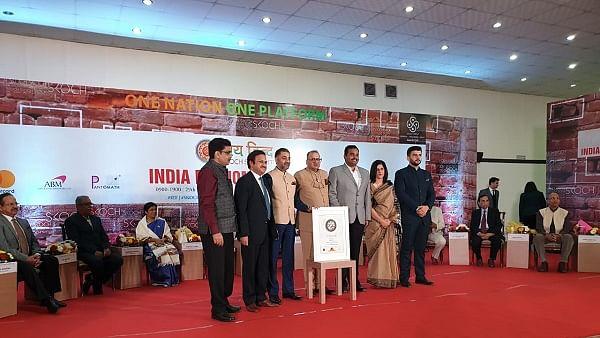 ஸ்கோச் விருது பெறும் துணை ஆணையர் சரவணன்