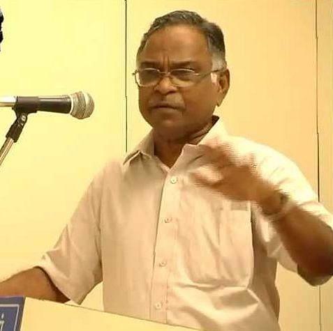 பேராசிரியர் கருணானந்தம்