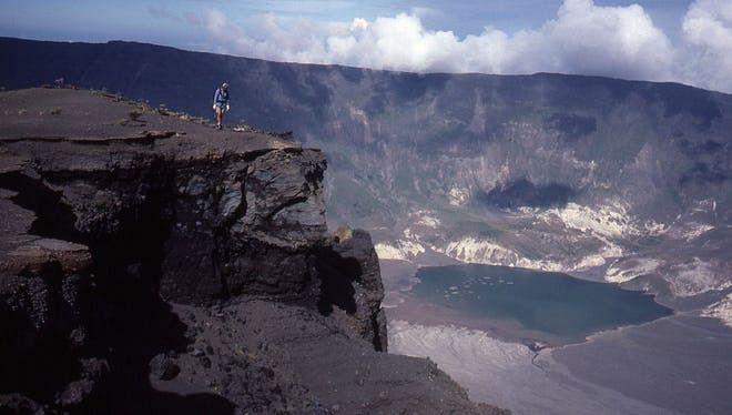 தம்போரா எரிமலை