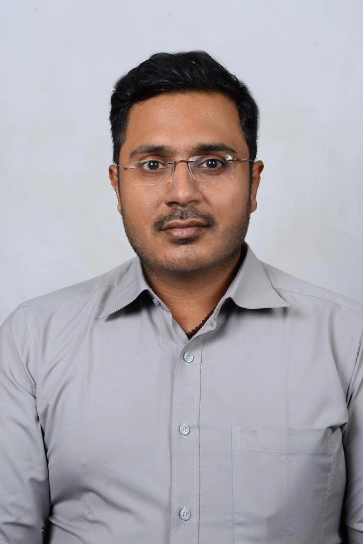 குழந்தைகள்நல மருத்துவர் வெங்கடேஷ்வரன்