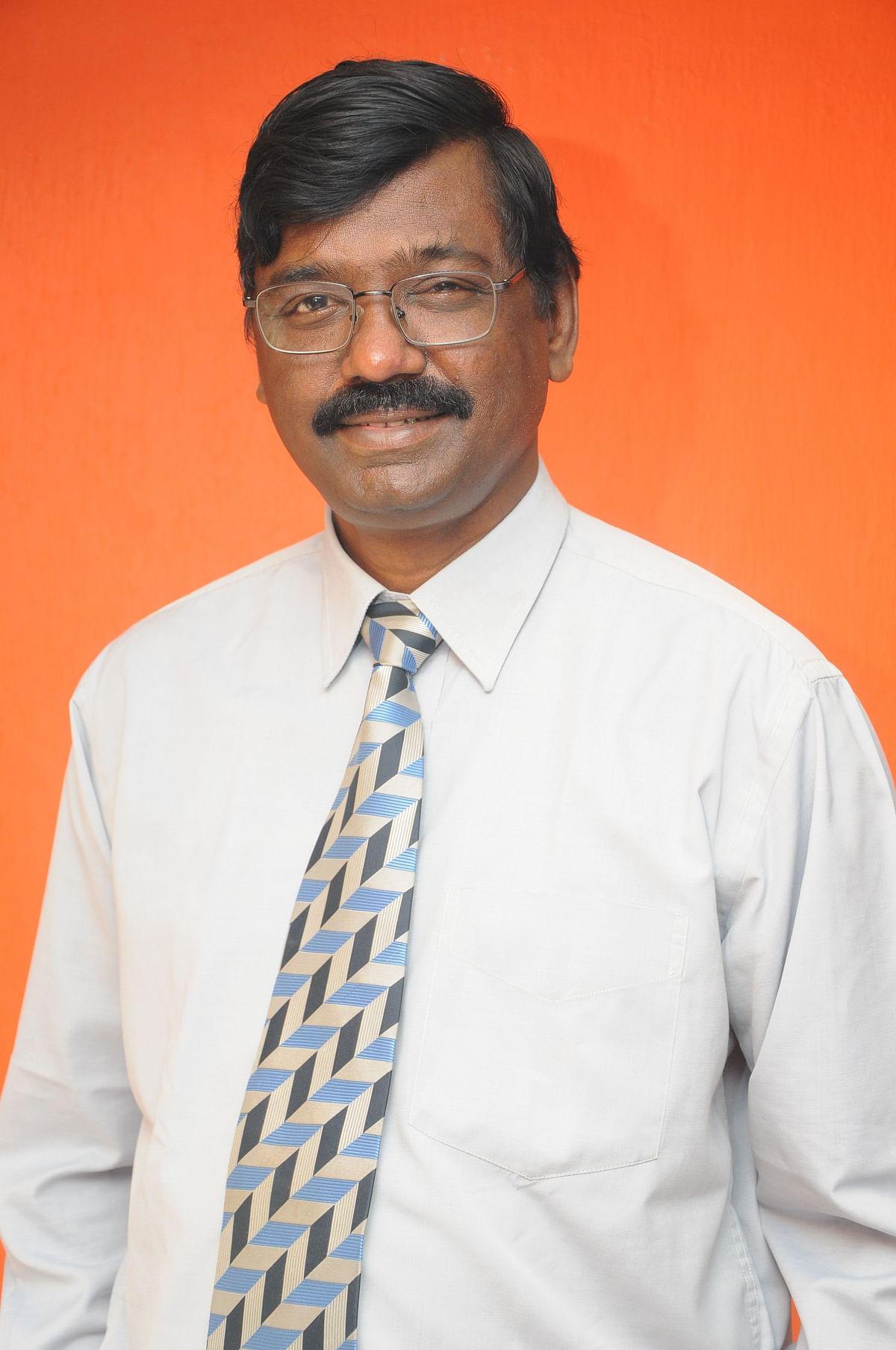 பங்குச்சந்தை நிபுணர் தி.ரா.அருள்ராஜன்