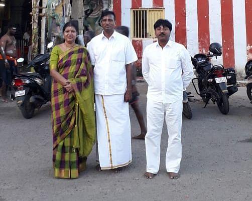 பி.சி.அன்பழகனுடன் ராஜேந்திரன்