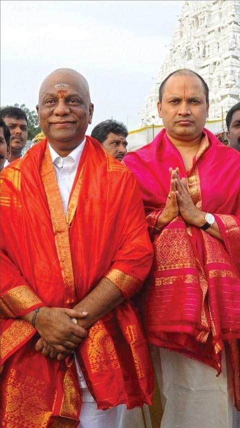 சேகர் ரெட்டியுடன் பன்னீர்செல்வம்