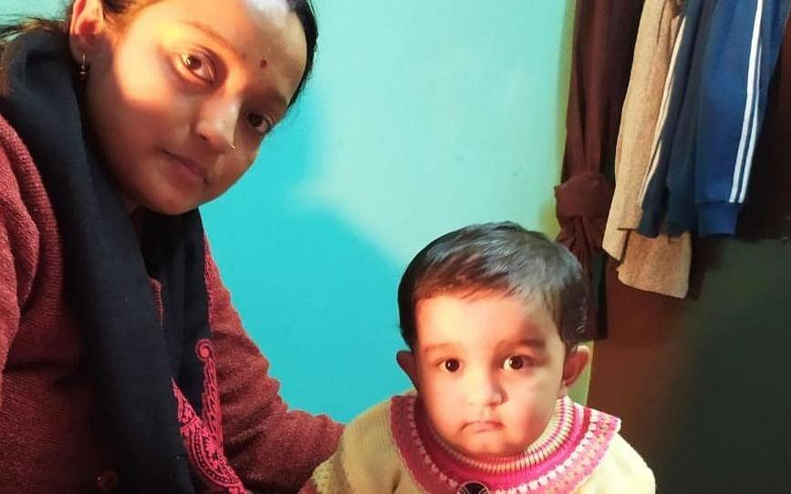 `மம்மா எங்கே..?!' - பெற்றோர் கைதால் தவிக்கும் ஒன்றரை வயதுக் குழந்தை #CAA