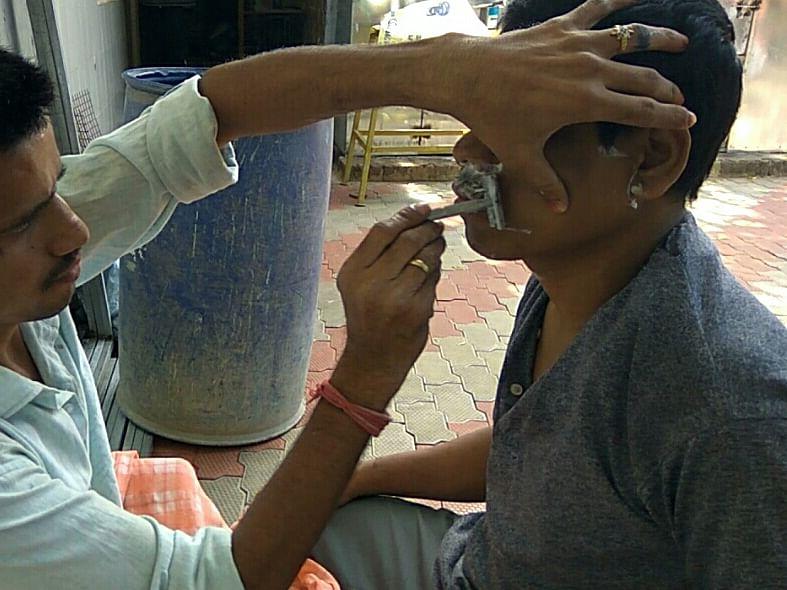 `அன்று நோயாளி.. இன்று சேவகன்..!'- குணப்படுத்திய காப்பகத்தை மறக்காத கன்னியாகுமரி பிரேம்சந்த்