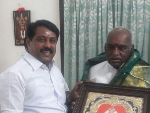 `பொன்னாரா... நயினாரா..?!'- களைகட்டும் தமிழக பா.ஜ.க தலைவர் ரேஸ்