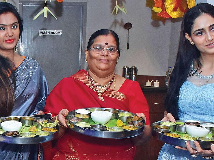 கெளரி விஸ்வநாதன்,  பிரேமா, கோமல் ஷர்மா