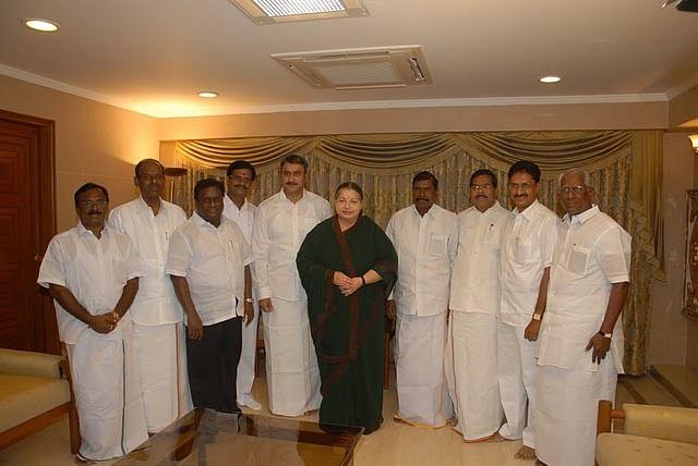 2009 தேர்தல்... ஜெயலலிதாவுடன் பா.ம.க. வேட்பாளர்கள்
