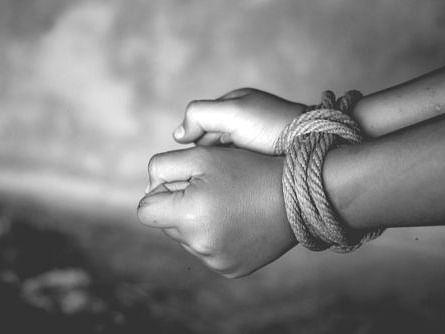 சென்னை: இன்ஸ்ட்ராகிராம் பழக்கம்; இன்ஜினீயரிங் மாணவனை நம்பிச் சென்ற சிறுமிகள்- 6 மணிநேரத்தில் மீட்பு