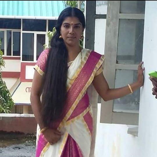 அபர்ணா லவக் குமார்