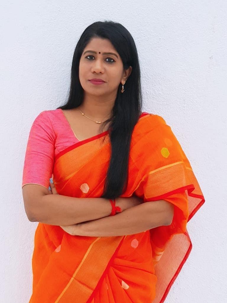 திவ்யா ஸ்வப்னா, சமூகச் செயற்பாட்டாளர்