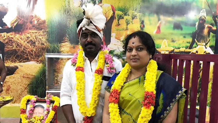 கணவருடன் ஜீவஜோதி