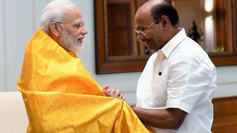 மோடியுடன் ராமதாஸ்