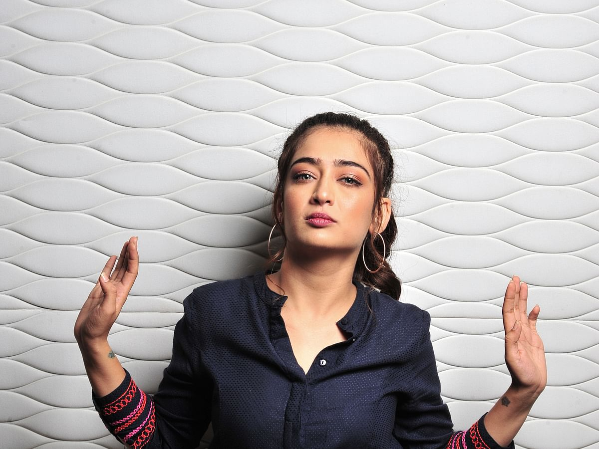 அக்ஷரா ஹாசன் Exclusive போட்டோஷூட் ஸ்டில்ஸ்..!