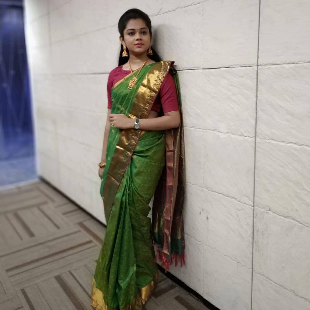 அனிதா சம்பத், செய்தி வாசிப்பாளர்.