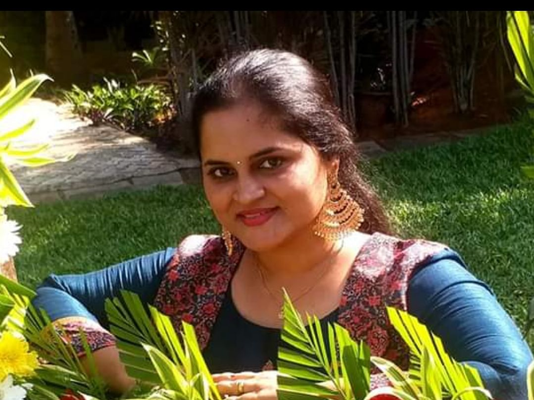 ``ராதிகா மேம் அறை விட்டாங்க; ரம்யாமேம்சோறுபோட்டாங்க!'' - ஸ்வேதா